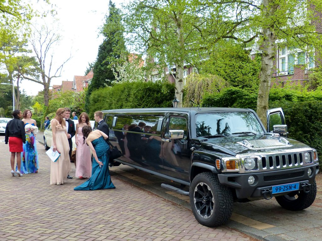 hummer limousine - limousine for prom - limousine for special occasions