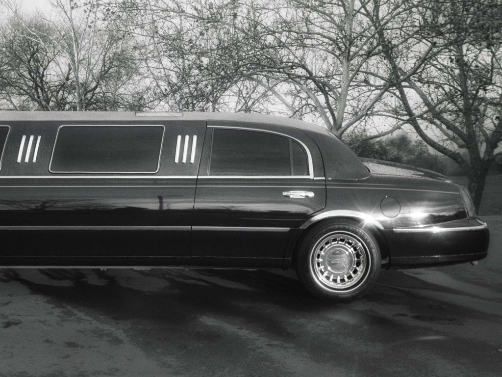why hire a limo company