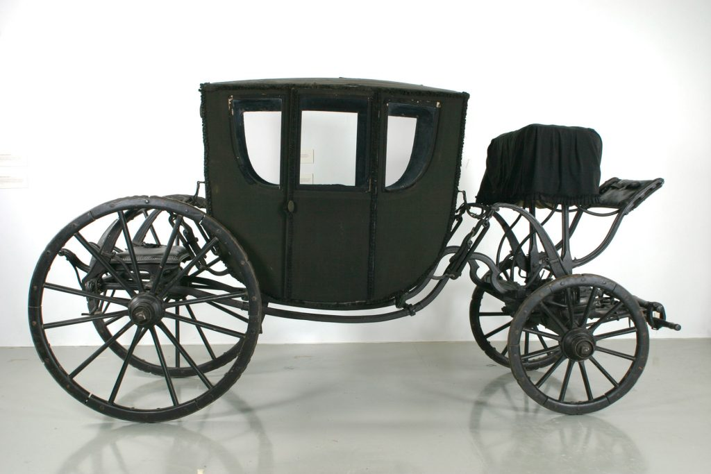 carriage - black carriage